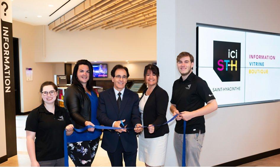 Saint-Hyacinthe Technopole inaugure ici ST-H, son nouveau bureau d'information touristique au centre de congrès